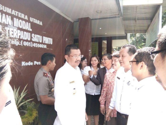 Gubernur Sumut, HT Erry Nuradi M. Si usai meresmikan aplikasi Simple Paten