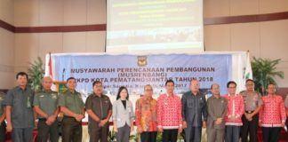Pelaksana Harian (Plh) Walikota Pematangsiantar, Hefriansyah, secara resmi membuka Musyawarah Perencanaan Pembangunan (Musrembang) Tahun 2017, Kamis (16/3) di Sapadia Hotel Jalan Diponegoro, Pematangsiantar.