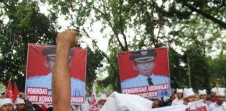 Demo Guru Simalungun, Pendemo Sebut JR Saragih Pengisap Keringat Honorer