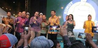 Ribuan Pelajar Main Seruling di Pesta Rakyat Hari Jadi Sumut - Copy