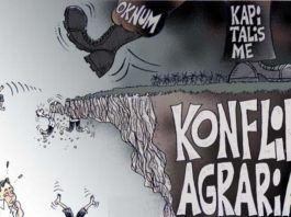 Oleh: Marlan Ifantri Lase MUDANews.com - Model konflik agraria sekarang bukanlah sengketa yang terjadi antara sesama petani, tetapi antara rakyat (petani) melawan kekuatan modal dan negara. Institusi negara tidak berperan sebagai penengah konflik atau pelaksana UU melainkan pelaku tidakan represif terhadap petani yang sedang berkonflik. Contoh kasus terbaru pada 18 November 2016 adalah Lahan petani anggota Serikat Petani Indonesia (SPI) di Desa Mekar Jaya Kec. Wampu Kab. Langkat digusur pihak Kepolisian Resor Langkat dan TNI dari LINUD Raider dengan mengerahkan 1500 personel. Sumatera Utara merupakan salah satu provinsi yang tergolong darurat konflik agraria. Menurut catatan Siti Noor Laila salah satu Komisi Nasional Hak Asasi Manusia (Komnas HAM) Sumut berada diurutan kedua terbanyak kasus agraria, setelah Jakarta. Kasus agraria tersebut didominasi oleh konflik petani atau kelompok tani dengan perusahaan perkebunan. Dilain pihak, Konsorsium Pembaruan Agraria (KPA) mencatat pada tahun 2016 konflik agraria di provinsi Sumatera Utara berada pada urutan ke empat dengan 36 konflik. Berdasarkan data dari KontraS Sumut sepanjang tahun 2016 konflik agraria Sumatera Utara terdapat 49 kasus atau meningkat 16 kasus dari tahun 2015. Sejumlah kasus konflik agraria di Sumatera Utara keseluruhan meninggalkan korban kepihak petani. Resiko tergusur dari lahan garapan, petani mendekam di penjara, intimidasi, penyiksaan mental maupun fisik hingga terbunuh disela-sela sengketa selalu menghantui perjuangan petani. Berdasarkan analisa sederhana akar konflik agraria di Sumatera Utara terdiri dari beberapa hal. Pertama, terjadinya proses akumulasi modal yang semakin besar pada perusahaan lokal dan perusahaan-perusahaan Trans-nasional Corporation (TNC) di bidang perkebunan atau dikenal dengan paradigma pembangunan kapitalistik. Wilayah provinsi Sumatera Utara hampir dipenuhi perkebunan sawit, sepanjang jalan lintas antar-kota pohon-pohon sawit milik perusahaan berjejer rapi. Setiap tahunny