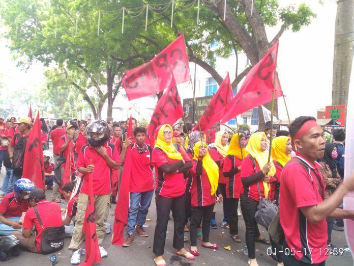 Demo Buruh Medan Kaum Ibu