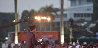 Foto: Presiden Jokowi saat berikan sambutan pada buka puasa bersama Prajurit dan PNS Mabes TNI di Plaza Mabes TNI Cilangkap, Jakarta Timur, Senin (19/6) petang.