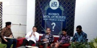 Foto: Menag Lukman Hakim Saifuddin saat ngobrol Santai tentang korupsi di ICW Jakarta.