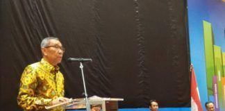Foto: Sekjen Kemenag Nur Syam menyampaikan materi pada Rakorpim dan Duta Akrual Kemenag Tahun 2017 di Jakarta.