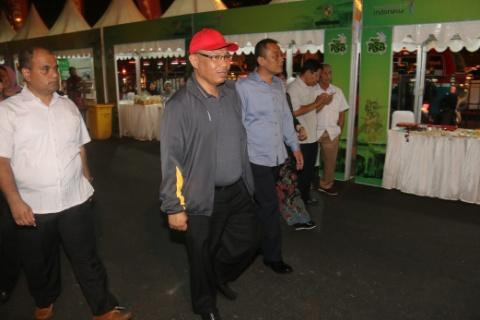 Foto: Wakil Wakil Walikota Medan Ir Akhyar Nasution MSi saat menghadiri acara panggung seni budaya (PSB) Kota Medan di seputaran Lapangan Merdeka Medan, Sabtu (29/7) malam.