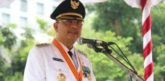 Walikota Medan Drs H T Dzulmi Eldin S M.Si menjadi Inspektur upacara Hari Jadi Kota Medan yang ke-427 di Lapangan Benteng Medan, Senin (3/7).