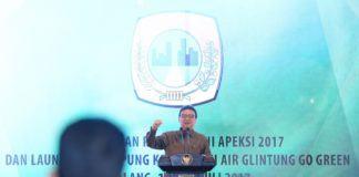 Foto: Menteri Dalam Negeri (Mendagri) Tjahjo Kumolo membuka Rapat Kerja Nasional (Rakernas) Asosiasi Pemerintah Kota Seluruh Indonesia (Apeksi), di Hotel Savana Kota Malang, Rabu (19/7).