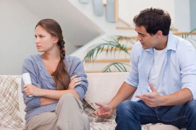 Bukannya saling bekerja sama, ada pula pasangan yang memanipulasi Anda. Apa saja tanda-tandanya?
