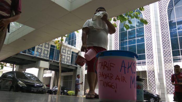 Tarif Air Naik Saharuddin