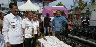 Tengku Erry Serahkan Bantuan Pertanian