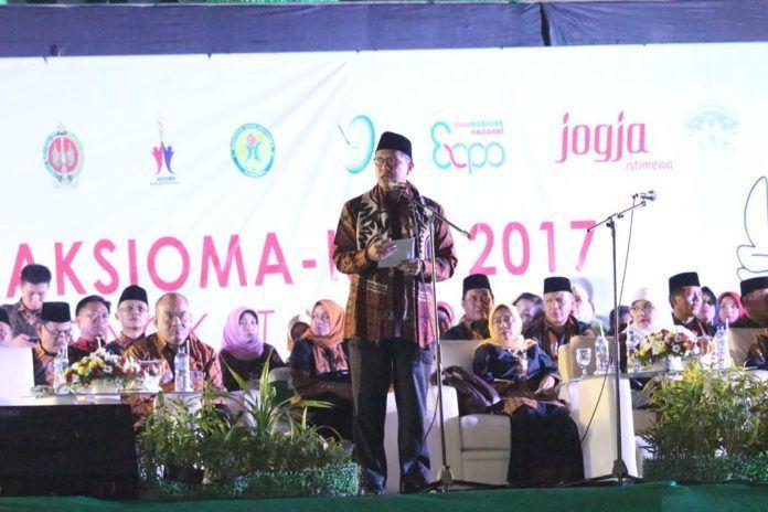 Foto: Menag Lukman Hakim Saifuddin saat menyampaikan sambutan pembukaan Aksioma-KSM 2017 di Yogyakarta.