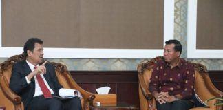 Foto: Menteri Asman melakukan audiensi dengan Walikota Pekanbaru di Kantor Kementerian PANRB, Selasa (15/8).