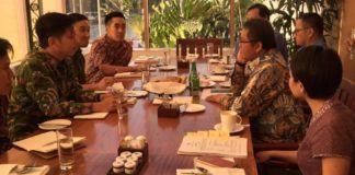 Foto: Menkominfo Rudiantara bertemu dengan perwakilan Facebook Asia Pasifik di Hotel Grand Hyatt, Jakarta, Rabu (2/8).