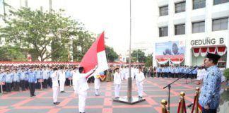 Foto: Hadi Prabowo saat menjadi inspektur upacara di halaman Kantor Kemendagri, Jakarta Pusat, Kamis (17/8).