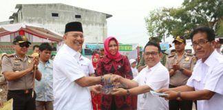 Walikota Medan Drs H T Dzulmi Eldin S M.Si menghadiri peringatan Hari Pangan Sedunia ke-37 tahun 2017 tingkat Kota Medan, di Lapangan Rengas Pulau, Kecamatan Medan Marelan, Rabu (30/8).