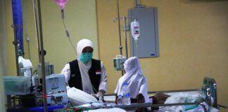 Foto: Jemaah haji sedang dirawat di Klinik Kesehatan Haji Indonesia (KKHI) Madinah.