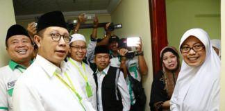 Foto: Menag Lukman Hakim Saifuddin sapa jemaah haji Indonesia di hotel kawasan Syisyah, Makkah, Rabu (23/8).