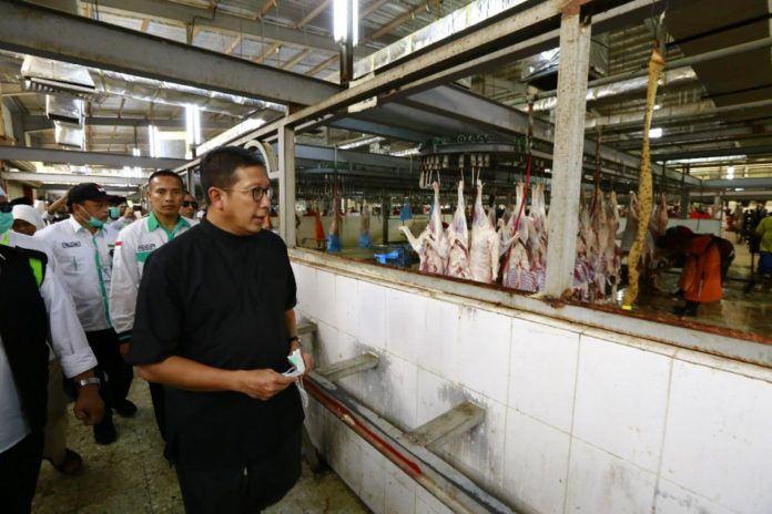 Foto: Menag Lukman tinjau tempat percontohan pemotongan hewan di Muasihim.