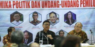 Foto: Menteri Dalam Negeri (Mendagri) Tjahjo Kumolo saat menghadiri Undangan Diskusi GK Center bertema 'Dinamika Politik dan UU Pemilu' di Hotel Century Park Senayan, Jakarta, Sabtu (12/8).