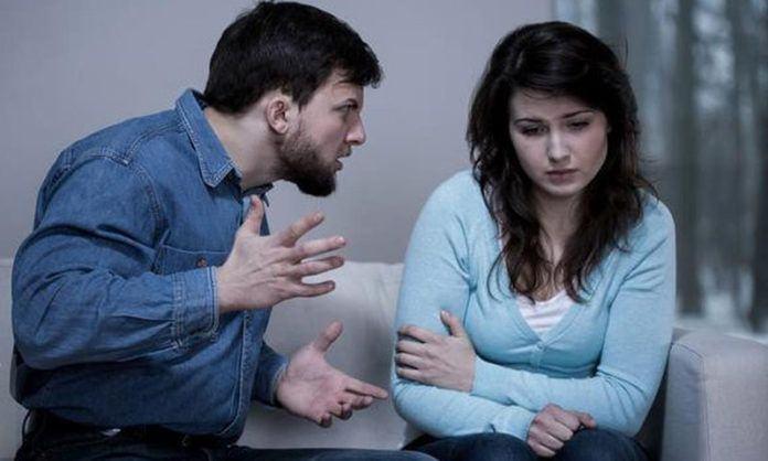 Perhatikan enam tanda dari pasangan yang terlalu posesif dengan Anda berikut ini. (Foto: iStockphoto)
