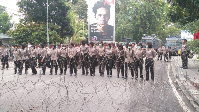 Demo Solidaritas Rohingya