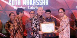 Foto: Walikota Medan Drs H T Dzulmi Eldin S MSi berhasil menerima dua penghargaan dalam acara Indonesia Attractiveness Award (IAA) 2017 di Java Ballroom The Westin Jakarta Jalan HR Rasuna Said, Karet Kuningan, Jakarta, Jumat (29/9) malam.
