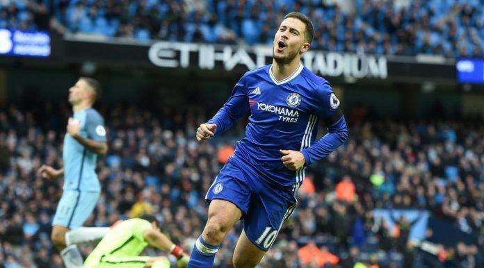 Gelandang Chelsea, Eden Hazard, membuka peluang untuk membela Real Madrid. (AFP/Paul Ellis)