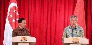 Foto: Presiden Jokowi dan PM Singapura Lee Hsien Loong melakukan pernyataan pers bersama usai pertemuan bilateral di The Istana, Singapura, Kamis (7/9) siang.