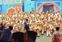 Foto: Presiden Jokowi saat hadir dalam acara Festival Anak Saleh Indonesia (FASI) X Di Masjid Raya Sabilal Muhtadin, Banjarmasin, Jumat (15/9).