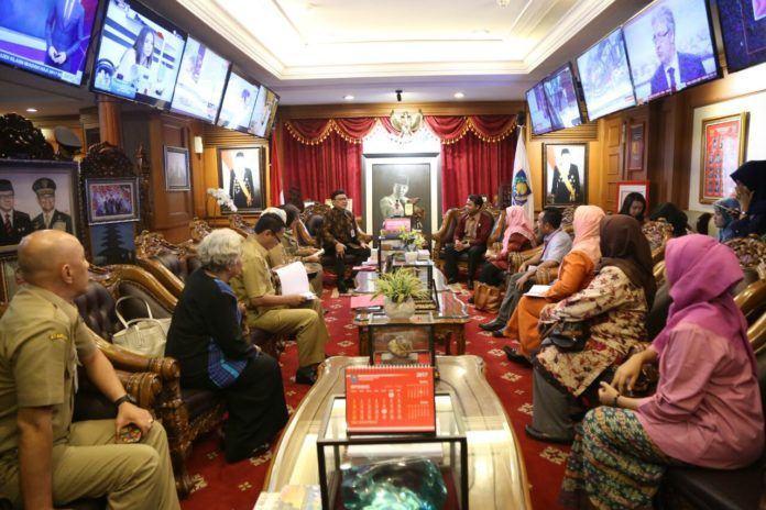 Foto: Ketua dan Komisioner KPAI bertemu dengan Menteri Dalam Negeri (Mendagri), Tjahjo Kumolo di Gedung A Kementerian Dalam Negeri (Kemendagri), Jakarta Pusat, Selasa (5/9).