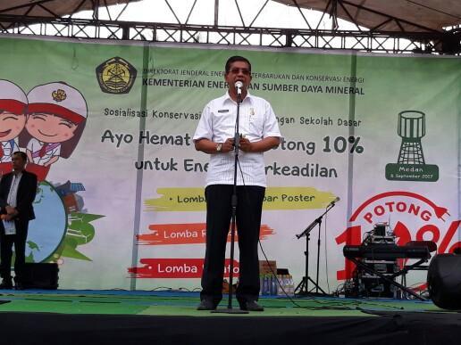 Foto: Kadis Pendidikan Kota Medan Drs. Hasan Basri menghadiri Sosialisasi Konservasi Energi di Lingkungan Sekolah Dasar yang digelar di halaman Sekolah Dasar Yayasan Panca Budi Medan, Jalan Gatot Subroto, Rabu (8/9).
