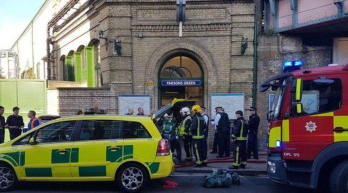 Ledakan di Kereta Bawah Tanah London Dianggap Serangan Teror (London Underground Station TWITTER / @ASolopovas)