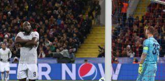 Foto: Selebrasi Romelu Lukaku usai mencetak dua gol untuk MU saat melawan CSKA Moskow. (dok Twitter MU)