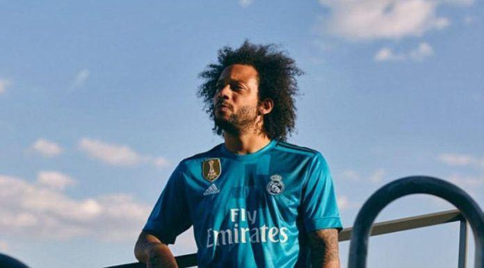 Marcelo berpose dengan jersey ketiga Real Madrid. (Real Madrid).