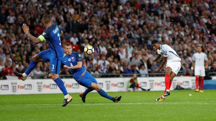 Foto: Marcus Rashford mencetak gol kemenangan bagi timnas Inggris atas Slovakia di Stadion Wembley, London. (REUTERS/Darren Staples)