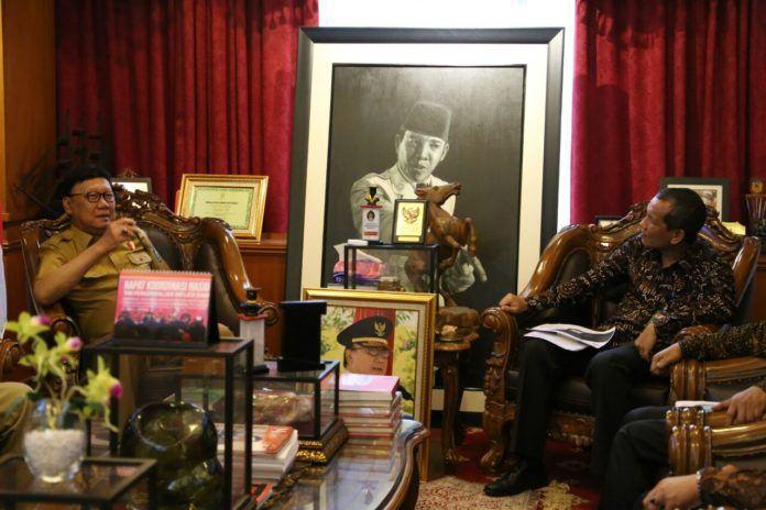 Foto: Pertemuan antara Mendagri Tjahjo Kumolo dengan Deputi Bidang Pencegahan KPK, Pahala Nainggolan.