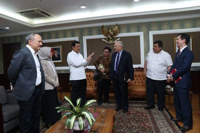 Foto: Menteri PANRB Asman Abnur berdialog dengan Dubes Amerika Serikat Joseph R. Donovan Jr. di Kantor Kementerian PANRB, Selasa (12/9).