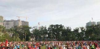 Foto: Ratusan Warga Kota Medan mengikuti Senam Jantung sehat di Lapangan Merdeka Medan, Minggu (24/9).