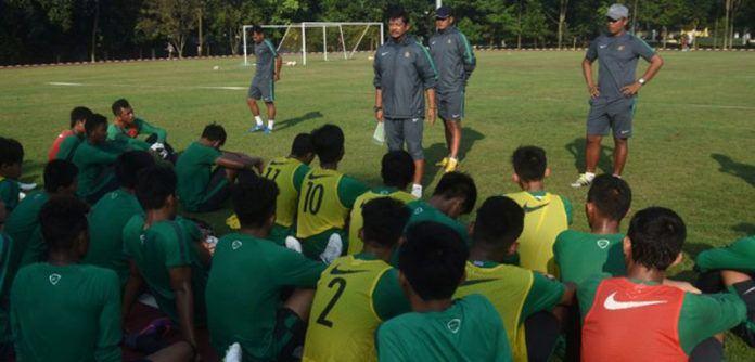 Pelatih Indra Sjafri bersama skuat timnas U-19. (Foto: Ant/Indrianto Eko Suwarso)