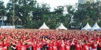 Foto: Ribuan masyarakat Kota Medan memperingati Hari Jantung Sedunia dilapangan Merdeka Medan, Minggu (1/10).