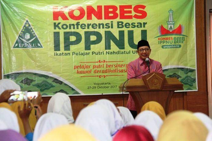 Foto: Menag beri sambutan pada Konbes Ikatan Pelajar Putri Nahdlatul Ulama di Yogyakarta.
