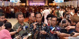 Foto: Presiden Jokowi menjawab wartawan usai membuka Rakernas Walubi, di JI Expo Kemayoran Jakarta, Kamis (26/10)