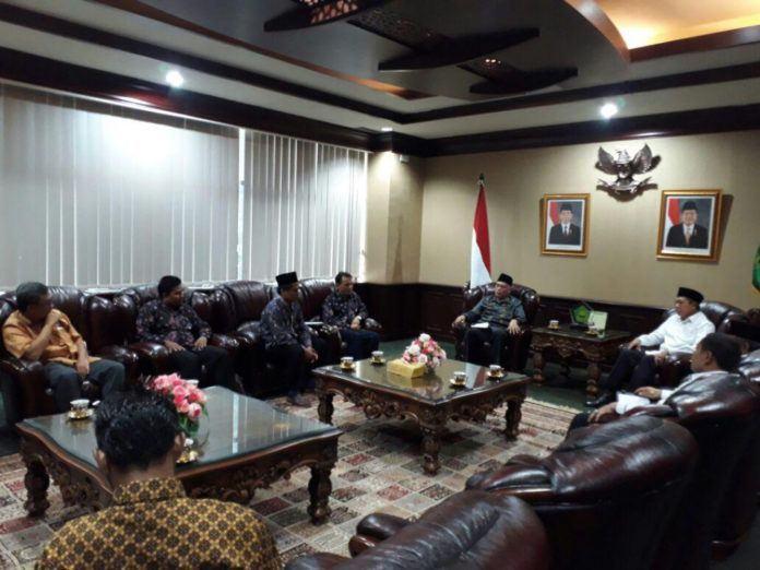 Foto: Menteri Agama Lukman Hakim Saifuddin terima DPP AGPAII laporkan rencana Kongres Guru PAI di Surabaya, Senin (16/10).