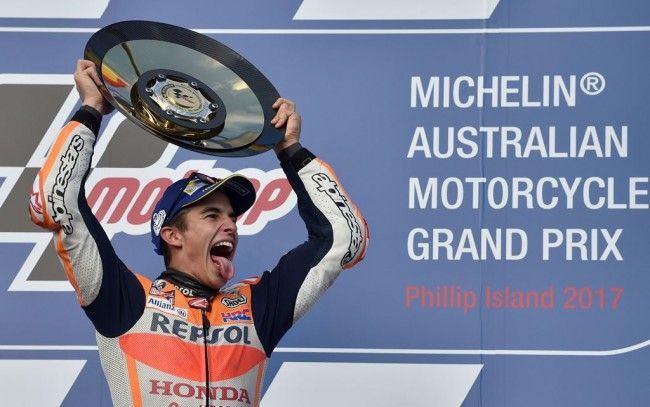 Selebrasi kemenangan Marc Marquez di ajang MotoGP Australia. (AFP PHOTO / PETER PARKS)