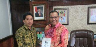 Foto: Wakil Walikota Medan Ir H Akhyar Nasution M.Si saat menerima audiensi sembilan perwakilan paguyuban etnis Jawa, Rabu (4/10) di ruang kerjanya.