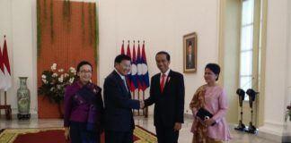 Foto: Presiden Jokowi dan Ibu Negara menyambut PM Laos beserta Istri di Istana Kepresidenan Bogor, Jawa Barat, Kamis (12/10).