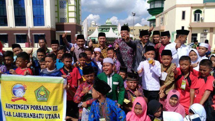 Foto: Pekan Olahraga dan Seni Antar Diniyah (PORSADIN) ke III Tahun 2017 di Asrama Haji Medan, Sabtu (28/10).