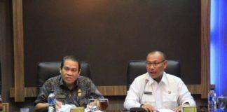 Foto: Wakil Walikota Medan Ir. H. Akhyar Nasution, MSi memimpin rapat pembahasan pengoperasian Pasar Modern Marelan dan Penempatan Pedagang di Ruang Rapat I Kantor Walikota Medan, Jumat (27/10).