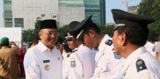 Foto: Walikota Medan Drs H T Dzulmi Eldin S MSi melantik 196 pejabat struktural eselon III dan IV di lingkungan Pemko Medan, Kamis (19/10).